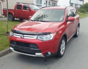 Winter ready 4WD 2015 Outlander, heated seats/mirrors, lic&insp.