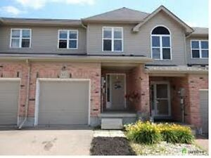 8 years old 3 spacious bedrooms town hose near bus trminal Kitchener / Waterloo Kitchener Area image 1