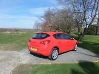 2011 Vauxhall Astra 1.6i 16V Exclusiv 5 door Auto Petrol Hatchback