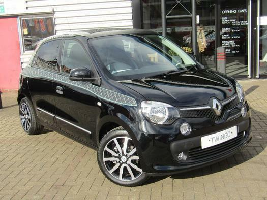 2018 renault twingo 0 9 tce iconic 5 door tech sunroof ss petrol hatchback in aylesbury. Black Bedroom Furniture Sets. Home Design Ideas