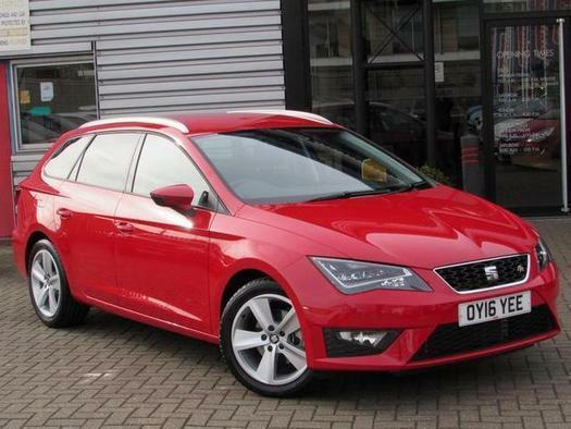 2016 seat leon st 1 4 ecotsi 150 fr 5 door technology pack petrol estate in aylesbury. Black Bedroom Furniture Sets. Home Design Ideas