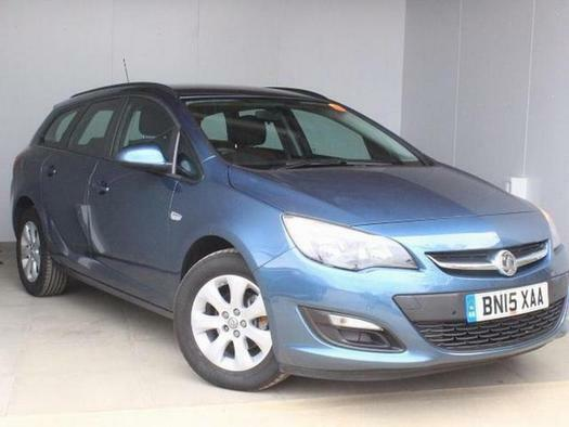 2015 Vauxhall Astra 1.6i 16V Design 5 door Auto Petrol Estate