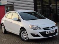 2013 Vauxhall Astra 1.6i 16V Exclusiv 5 door Petrol Hatchback