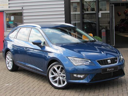 2016 seat leon st 1 4 ecotsi 150 fr 5 door dsg technology pack petrol estate in aylesbury. Black Bedroom Furniture Sets. Home Design Ideas