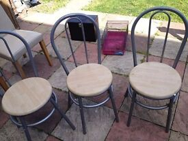 3 dinning chairs good condition only £8.00