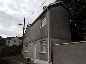 Small unfurnished detached one bed house - Treherbert