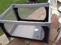 mamas and papas travel cot good condition only £8.00