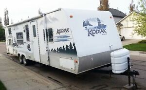 2005 Thor Kodiak 27RG Travel Trailer