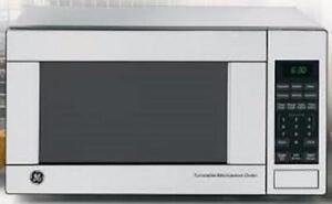 Micro-Ondes GE 1.1 Pi³ en Stainless 1100 Watt !! Seulement 129 $