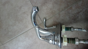 Batch tub Faucet In A Great Condition