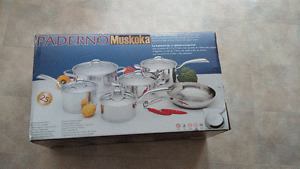 new in box 11pc Paderno Muskoka Set