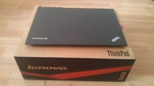 The computer TO KEEP LENOVO X1 CARBON 256 SSD 8G PERFECT CONDITI