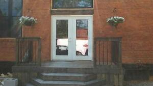 HISTORIC GEM, STEPS TO THE CORE WITH OFFICES & WORKING STUDIOS!