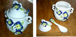 """Pansy"" Sugar Bowl ... Excellent Condition Cambridge Kitchener Area image 3"