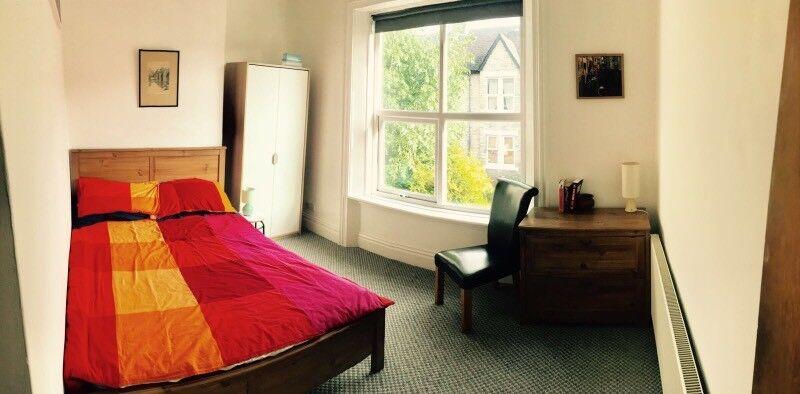 Upper 2 bed flat in heaton