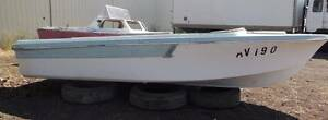18ft PROJECT BOAT Greenvale Hume Area Preview