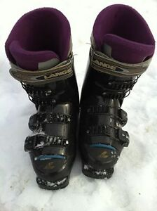 Used Ski boots Women size7 good condition in Jasper