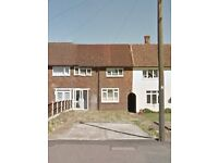 Straight Road Romford RM3 Nice DSS Welcome Studio Flat Available Now