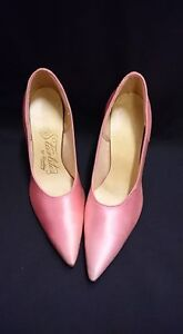 Vintage Pink Satin Shoes Starlite's By Woolley Size: 8