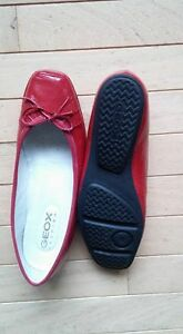 NEW - Geox Respira - red shoes - size 38 (9.5)