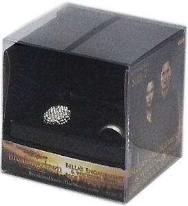 TWILIGHT-Breaking-Dawn-Bellas-Engagement-Wedding-Band-Ring-Set-NECA