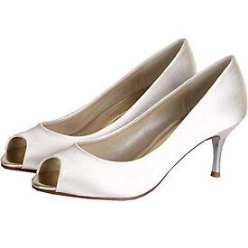 Rainbow Club Shoes Saffron Size 3