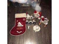 Me to You bears Christmas decorations