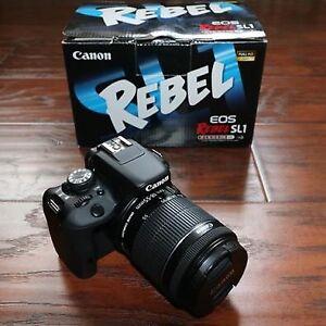 Canon Rebel SL1 w/ 18-55mm STM Lens Kit