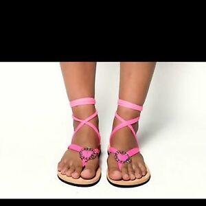 Jodi Hawaiian wrap flip flops, size 7