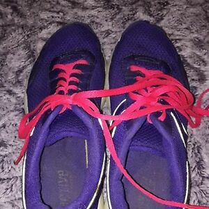 Old Navy Activewear Runners, Size 9