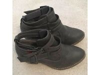 London Rebel Grey Ankle Boots size 3