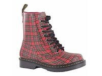 BRAND NEW! Dr Martens Tartan Leather Boots Size 6 - UNISEX £85 OBO!