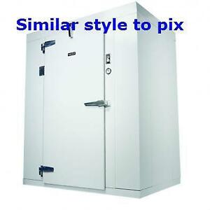 6' X 4' WALK IN COOLER - REFRIGERATOR - GOOD USED ITEM - C/W DROP IN COLD PACK