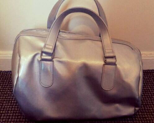 f2a08f4d025 Gorgeous Soap   Glory Silver barrell bag brand new   in Wombwell ...