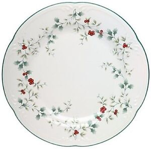 UPDATED: Large Collection of Pfaltzgraff Winterberry Dinnerware