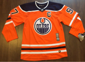 Connor McDavid Jersey - BRAND NEW with Tags - Med-XL