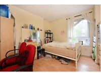 3 Bed Flat, Bright, Clean, Excellent Location!