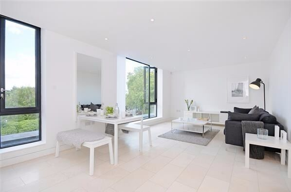 LATITUDE HOUSE, NW1: 1 DOUBLE BEDROOM FLAT, VERY LIGHT AND SPACIOUS, PERFECTLY LOCATED IN CAMDEN