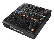 DJM 900