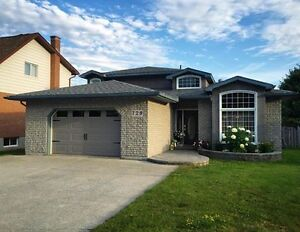 Beautiful and stylish Home in excellent Espanola neighbourhood.