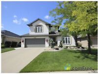 NORTH END STUNNER CLOSE TO SCHOOLS - 984 Rosedale Avenue, Sarnia