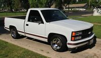 Rare / Collector: 1990 Chevy Sport - Shortbox Pickup