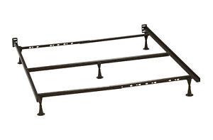 METAL Pied/Base de lit - Bed base/Frame *NEUVE/NEW* 30$ nego