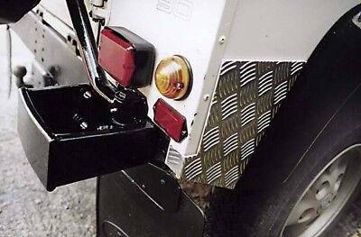 LAND ROVER DEFENDER 90   3MM CHEQUER PLATE REAR WING PROTECTOR   RE577