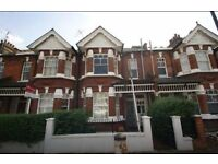 Pretty Edwardian garden apartment - available For 3-6 months