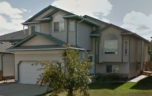 Manning - 3 Bed Main Floor- Available June 1
