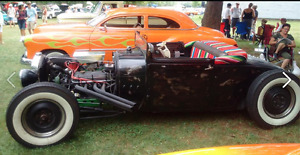 trade a 1929 ford and 1951 Buick for a 1930-1960