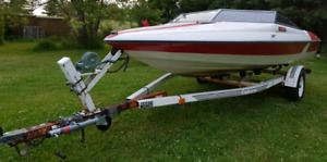 17ft fibre glass boat and trailer. No motor