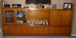 Wall Display Unit with Glass Shelves & Built-in Lights