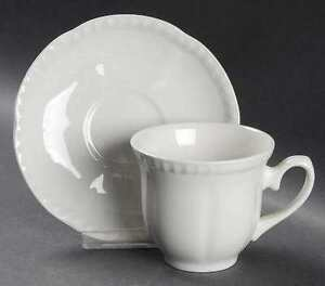 "8-Pl DinnerWare. VINTAGE Johnson Brothers ""OLD ENGLISH"" - White"